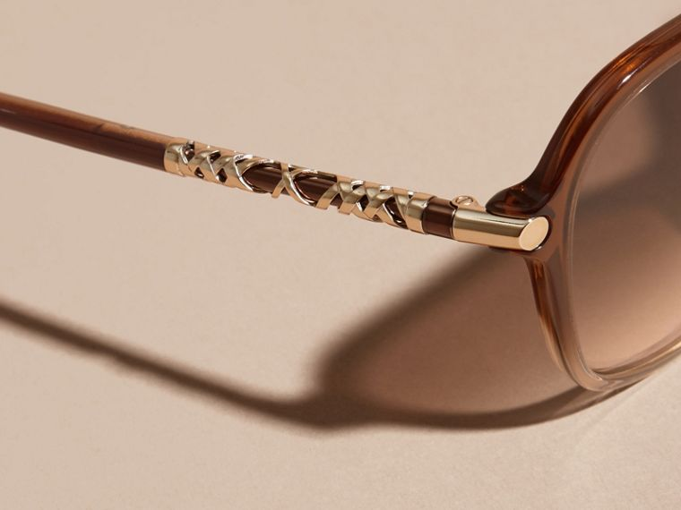 Check Detail Round Frame Sunglasses in Brown - cell image 1