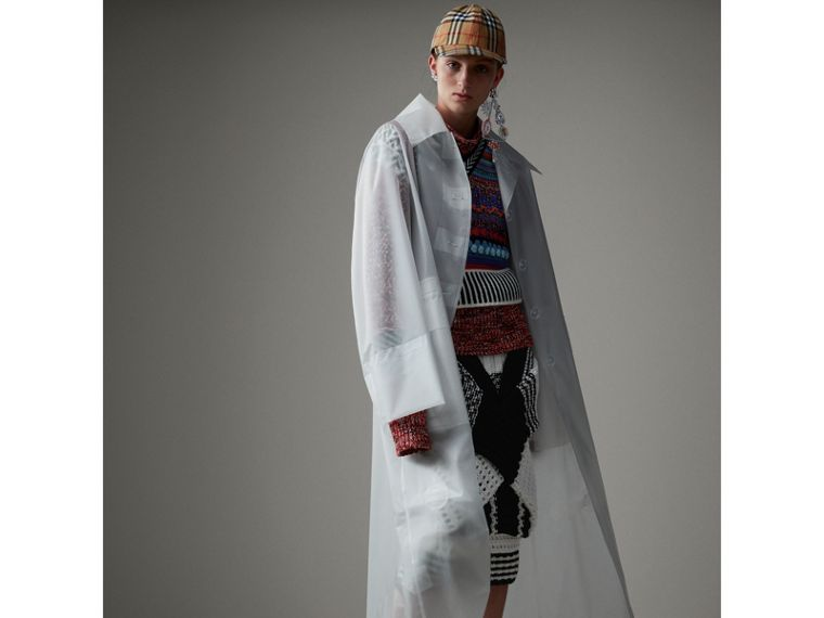 Cappotto car coat oversize in plastica morbida al tatto (Bianco) - Donna | Burberry - cell image 4