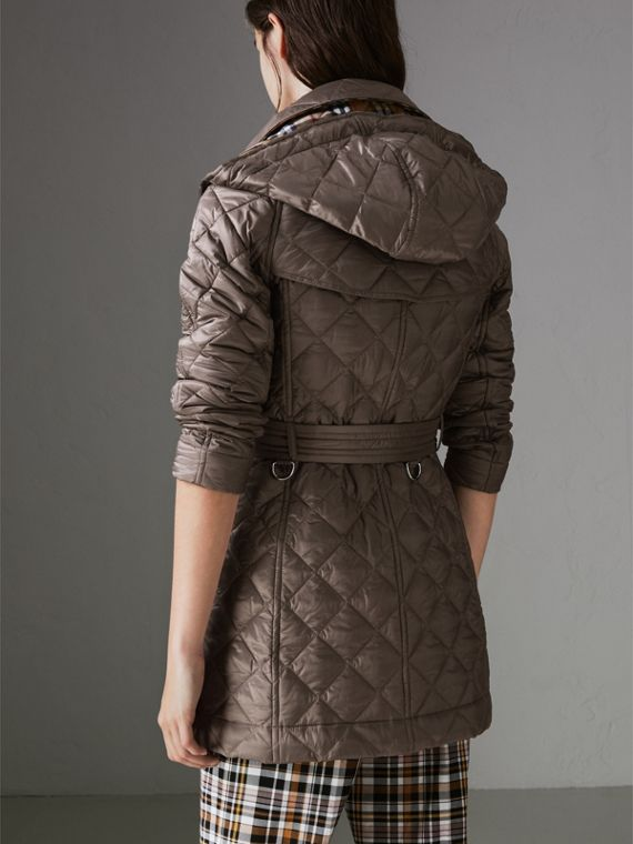 Detachable Hood Lightweight Diamond Quilted Coat in Mink Grey - Women | Burberry - cell image 2