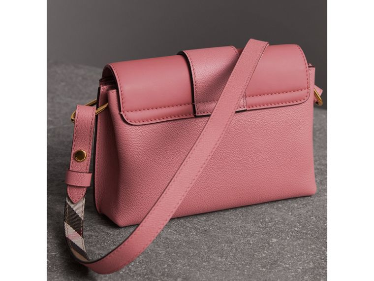 The Buckle Crossbody Bag in Leather in Dusty Pink - Women | Burberry - cell image 4