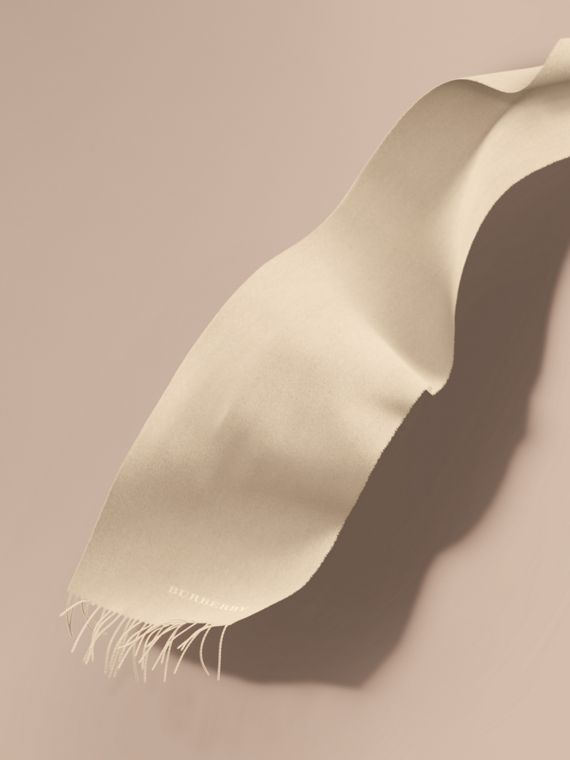 The Classic Cashmere Scarf Natural White