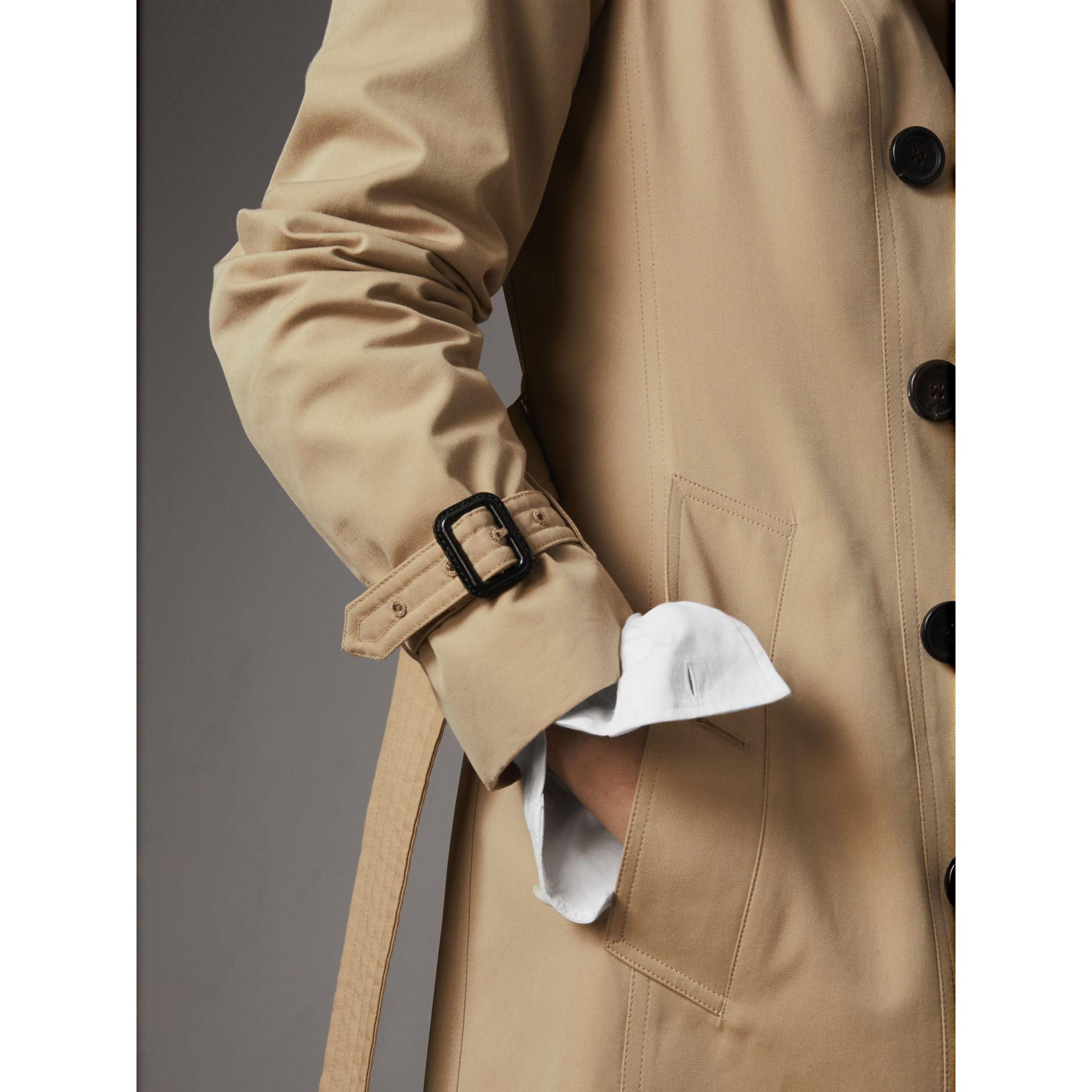 The Sandringham – Mid-length Trench Coat in Honey - Women | Burberry Singapore - gallery image 5