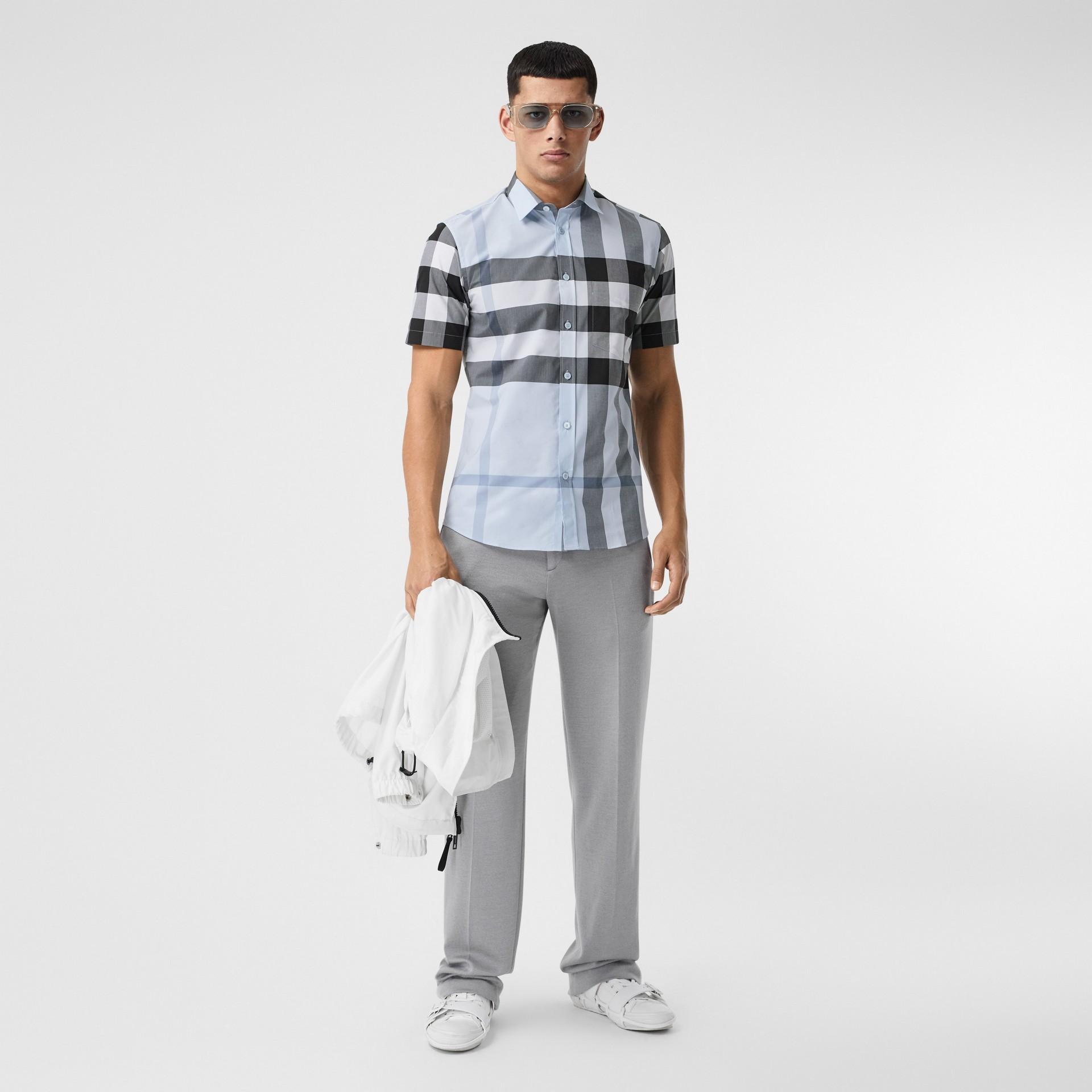 Short-sleeve Check Stretch Cotton Poplin Shirt in Chalk Blue - Men | Burberry Hong Kong S.A.R - gallery image 4