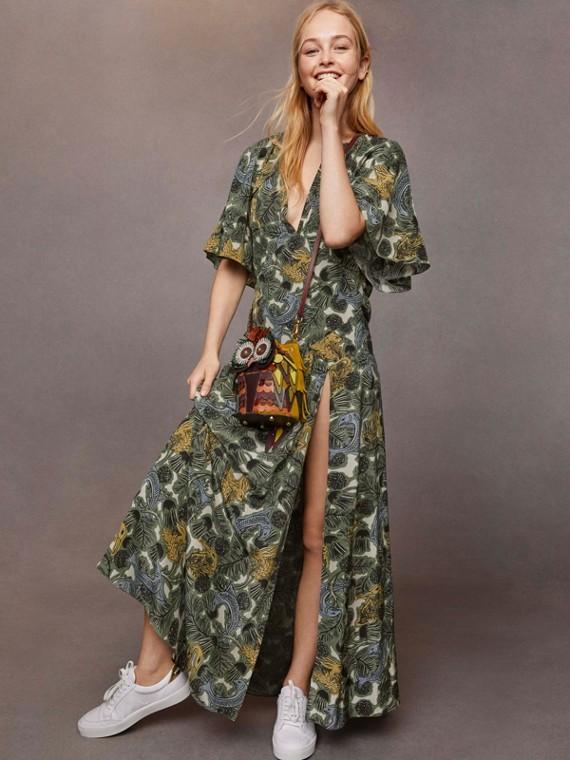 비스트 프린트 딥 브이넥 실크 롱라인 드레스