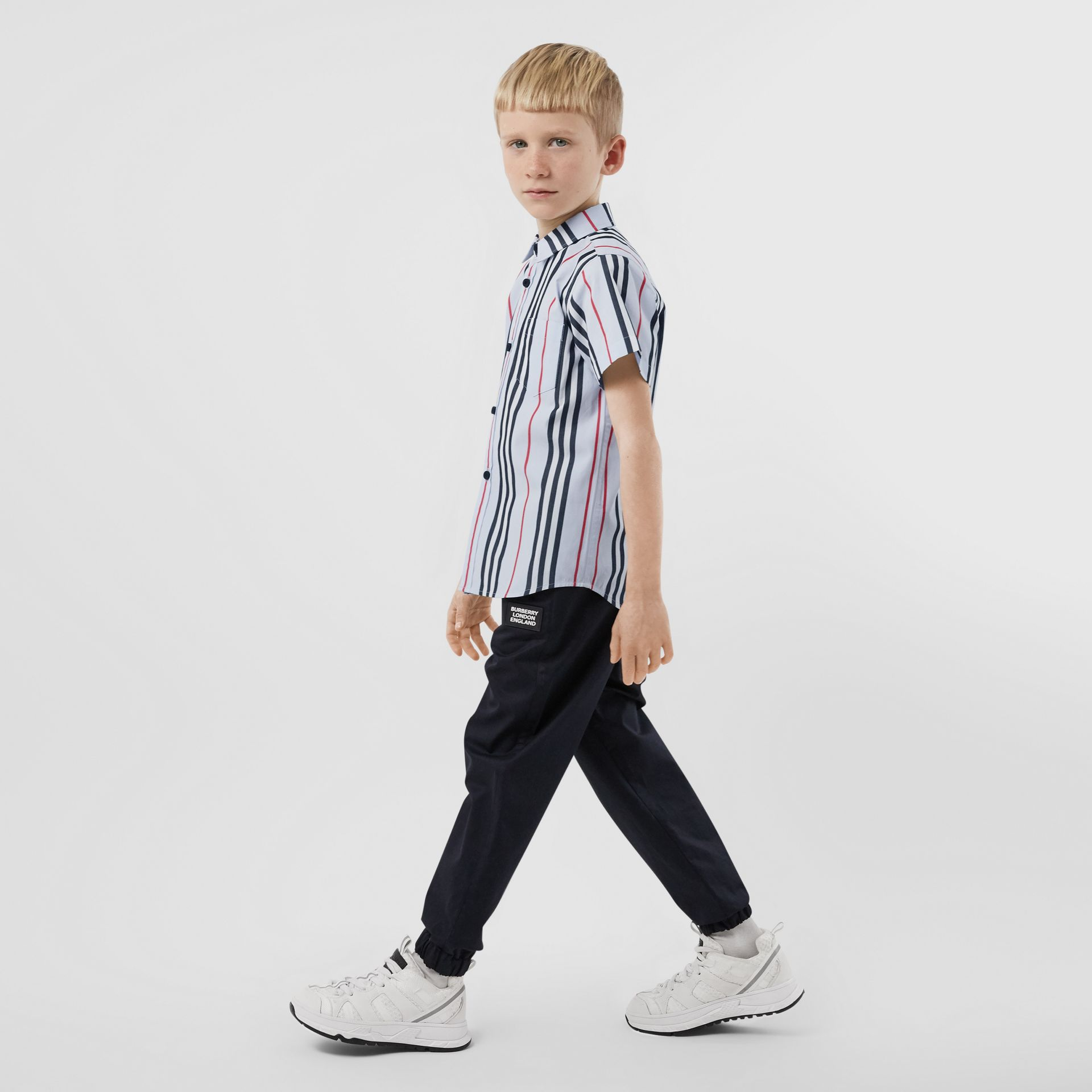 Short-sleeve Icon Stripe Cotton Poplin Shirt in Pale Blue | Burberry United Kingdom - gallery image 2
