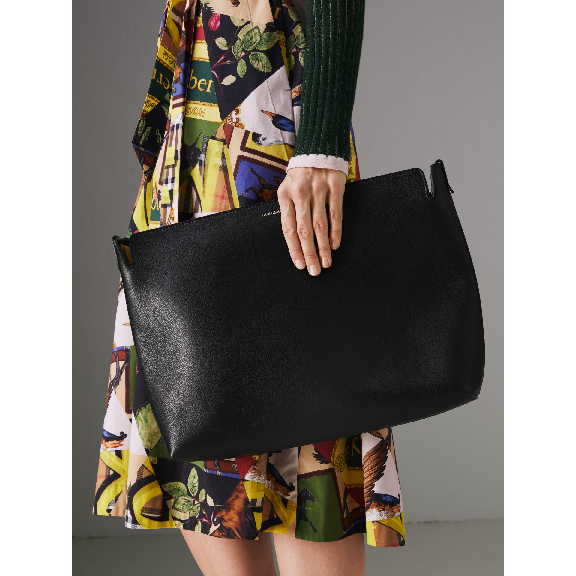 Large Tri-tone Leather Clutch in Black/sea Green | Burberry - gallery image 3