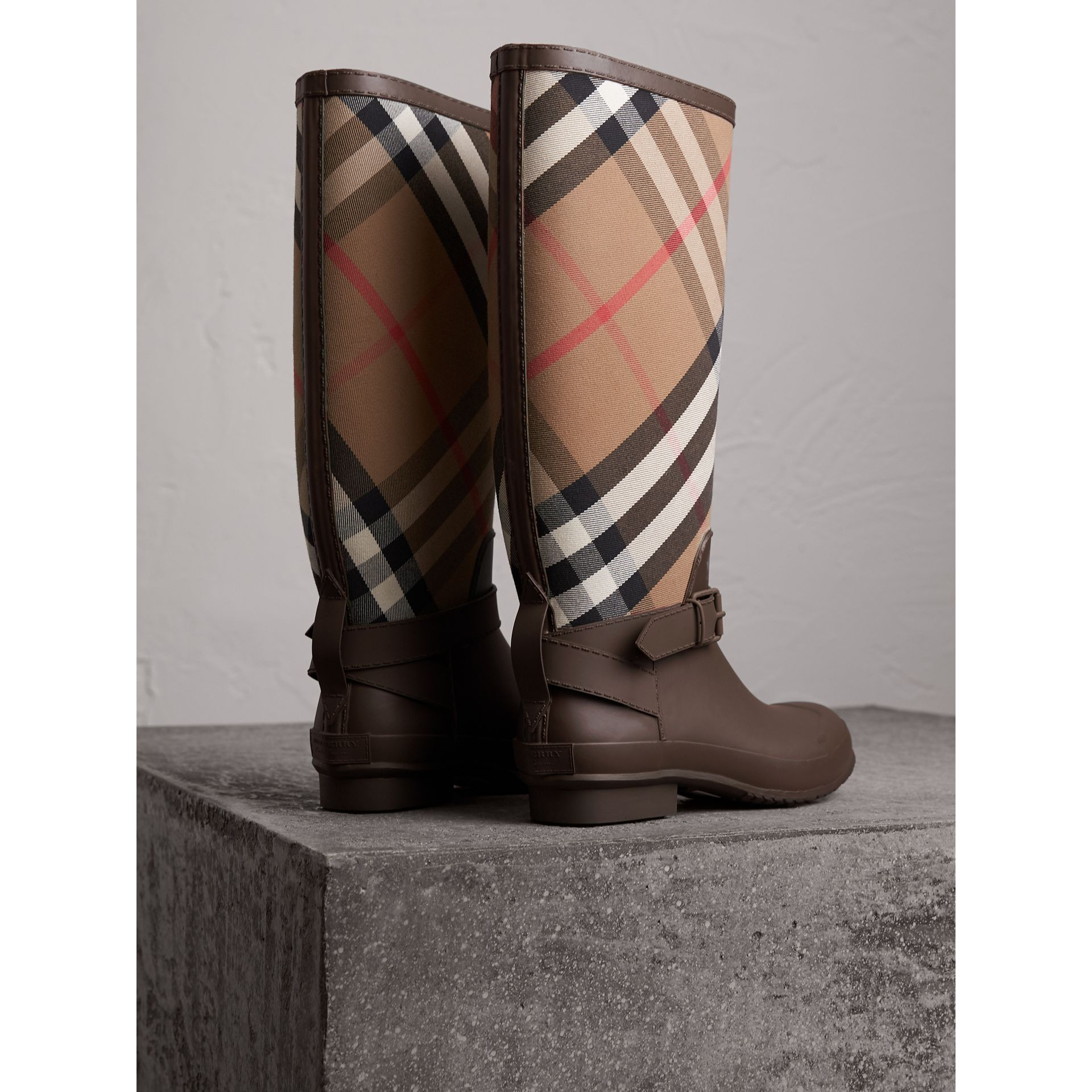 Belt Detail House Check and Rubber Rain Boots in Bitter Chocolate - Men | Burberry - gallery image 4