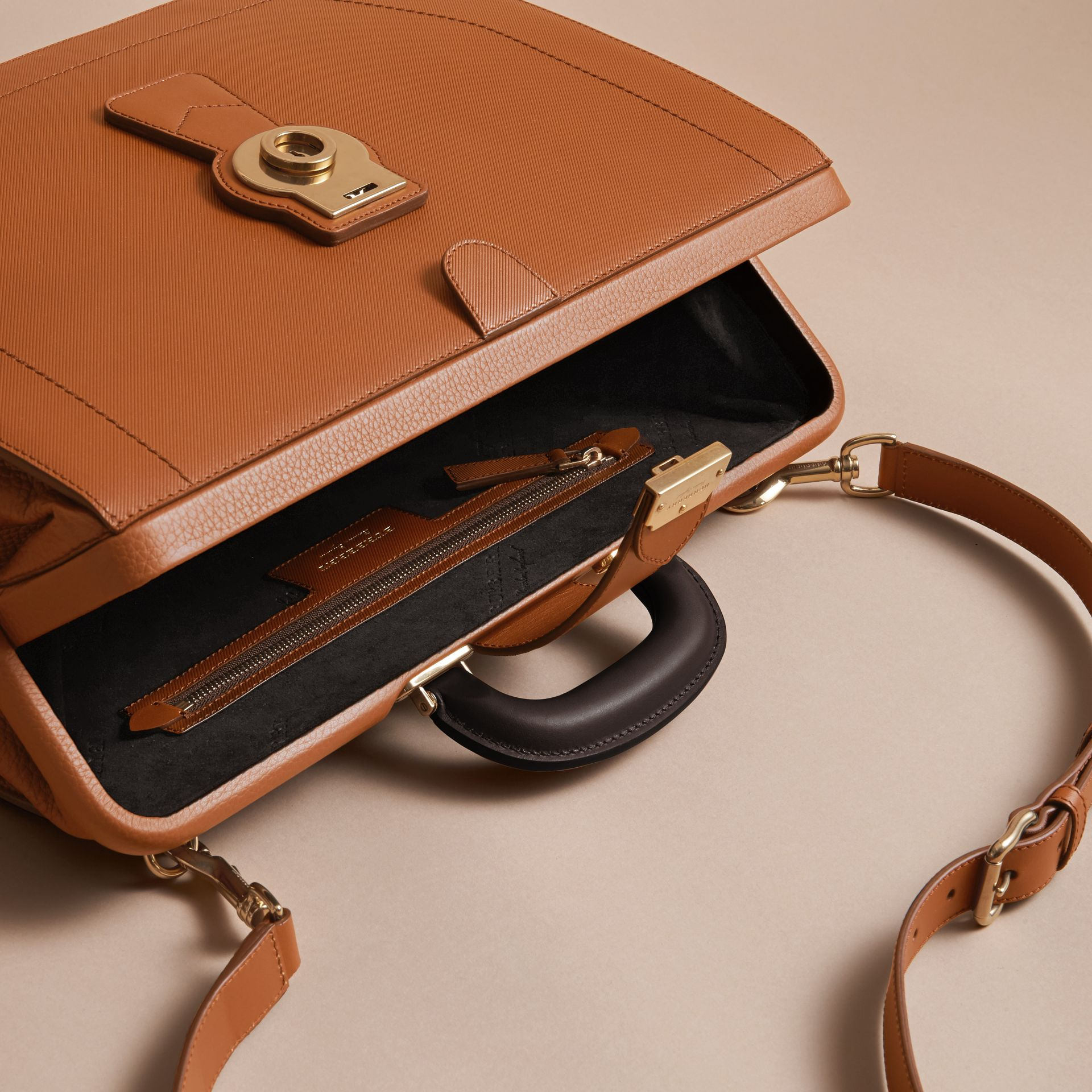 The DK88 Doctor's Bag Tan - gallery image 5