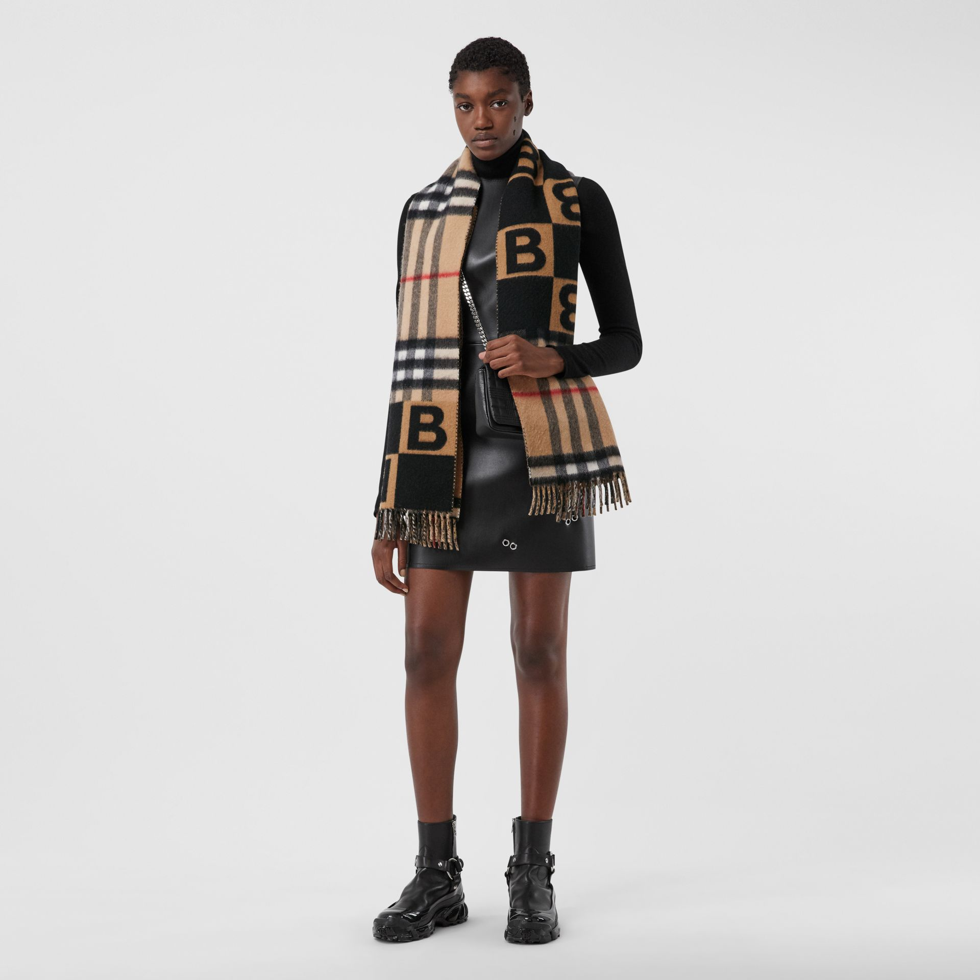 Check and B Motif Wool Cashmere Scarf in Black | Burberry - gallery image 2