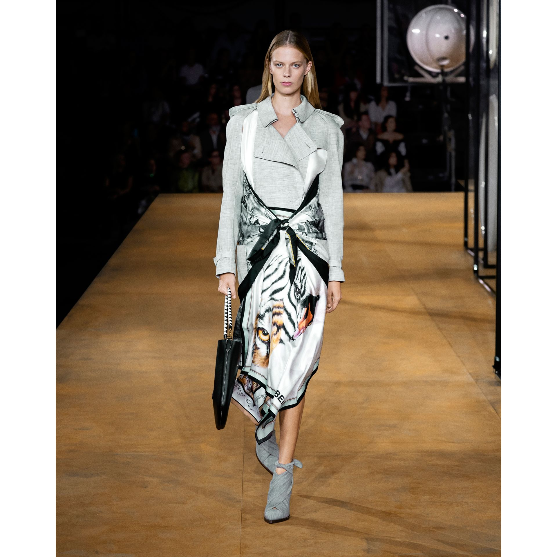 Animalia Print Linen Trench Dress in Grey Melange - Women | Burberry - gallery image 7