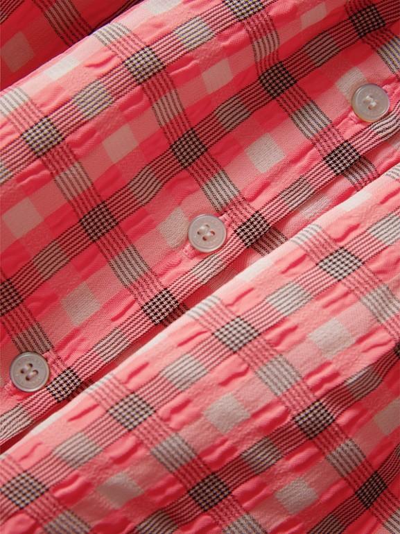 Vestitino in seersucker con motivo tartan (Rosa Corallo Brillante) | Burberry - cell image 1