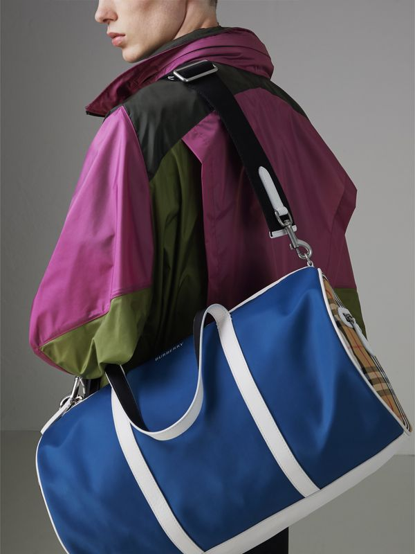 Mittelgroße Barrel Bag im Vintage Check- und Colour-Blocking-Design (Dunkles Canvasblau) - Herren | Burberry - cell image 3