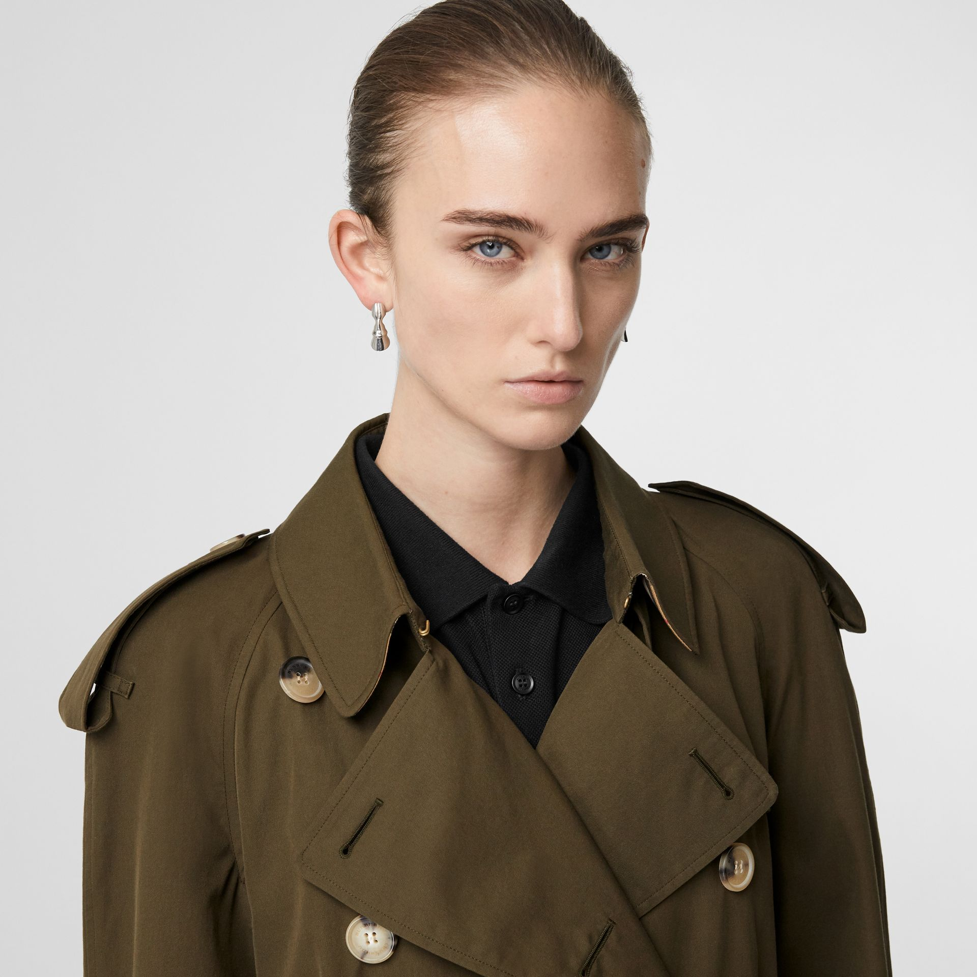 The Long Westminster Heritage Trench Coat in Dark Military Khaki - Women | Burberry United Kingdom - gallery image 1