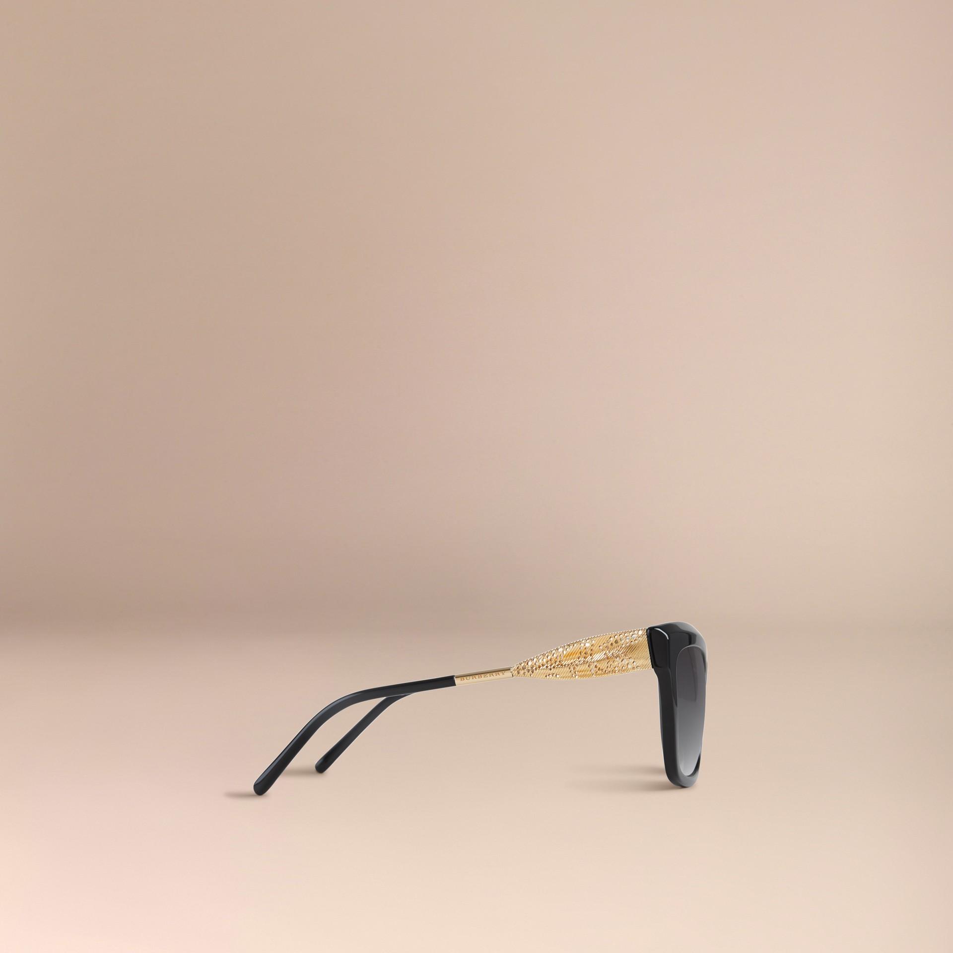 Preto Óculos de sol com armação quadrada da coleção Gabardine Lace Preto - galeria de imagens 5