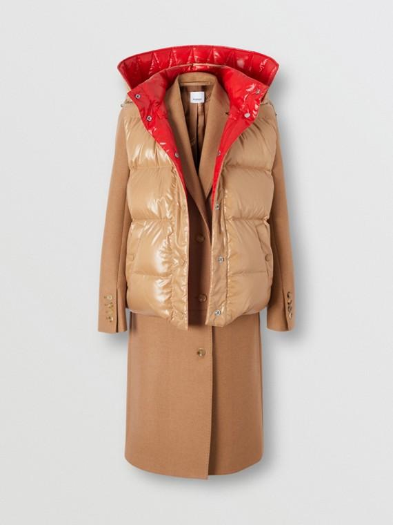 Körperbetonter Mantel aus Kamelhaar mit abnehmbarer Weste (Bronzefarben)