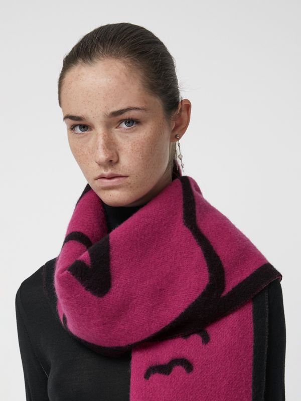 London Street Art Wool Cashmere Jacquard Scarf in Plum Pink | Burberry - cell image 3