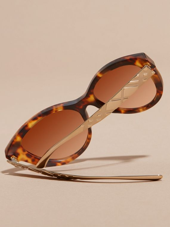 Tortoiseshell 3D Check Cat-eye Sunglasses Tortoiseshell - cell image 3