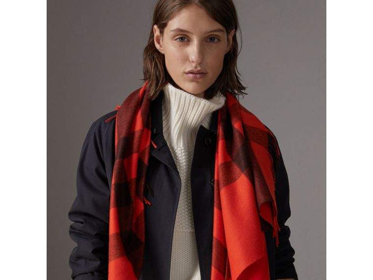 The Burberry Bandana in Check Cashmere in Orange Red | Burberry - cell image 4