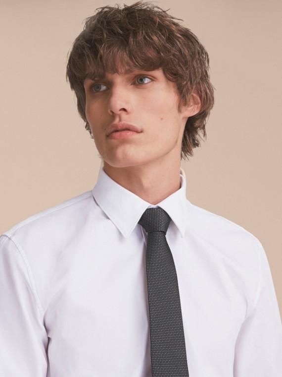 Schwarz Modern geschnittene Krawatte aus gemusterter Seide Schwarz - cell image 2