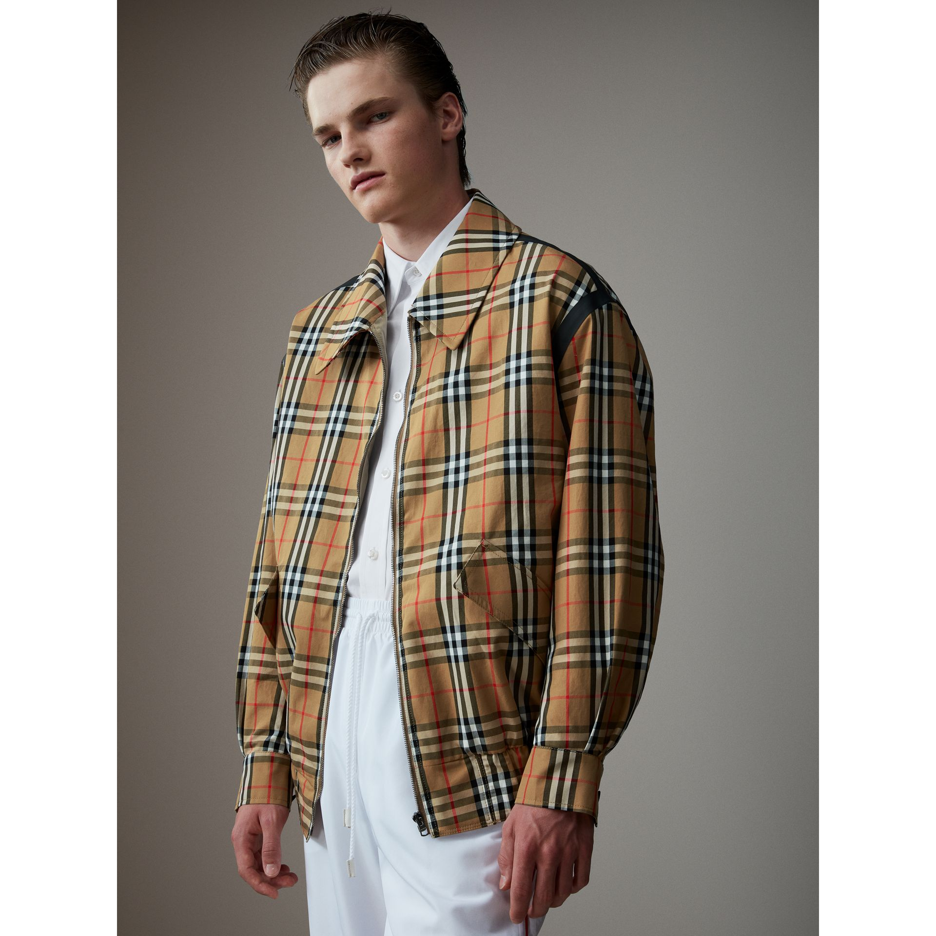 Vintage Check Gabardine Harrington Jacket in Antique Yellow - Men | Burberry United Kingdom - gallery image 4