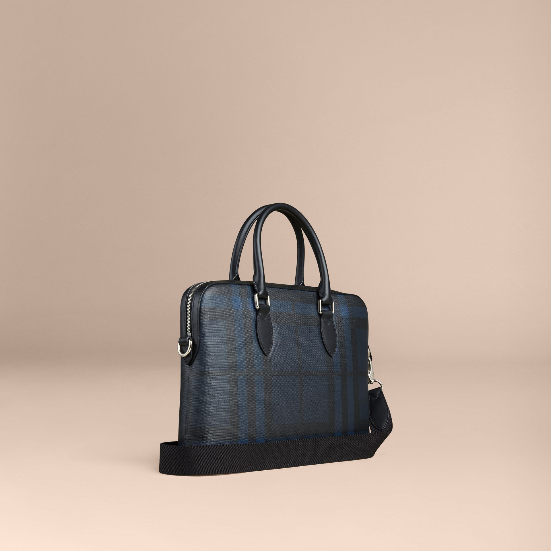 The Barrow in London Check in Navy/black - Men | Burberry United Kingdom - gallery image 2