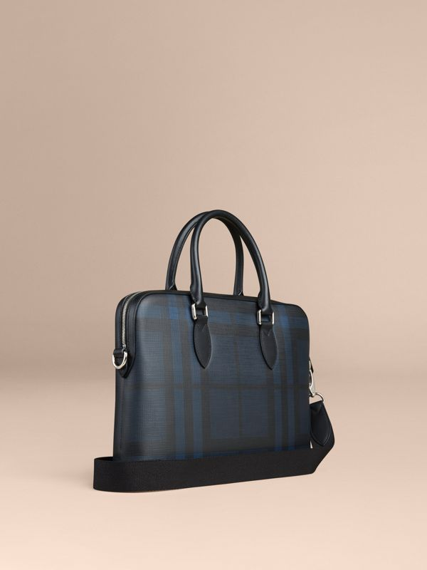 Sac The Barrow à motif London check (Marine/noir) - Homme | Burberry Canada - cell image 2