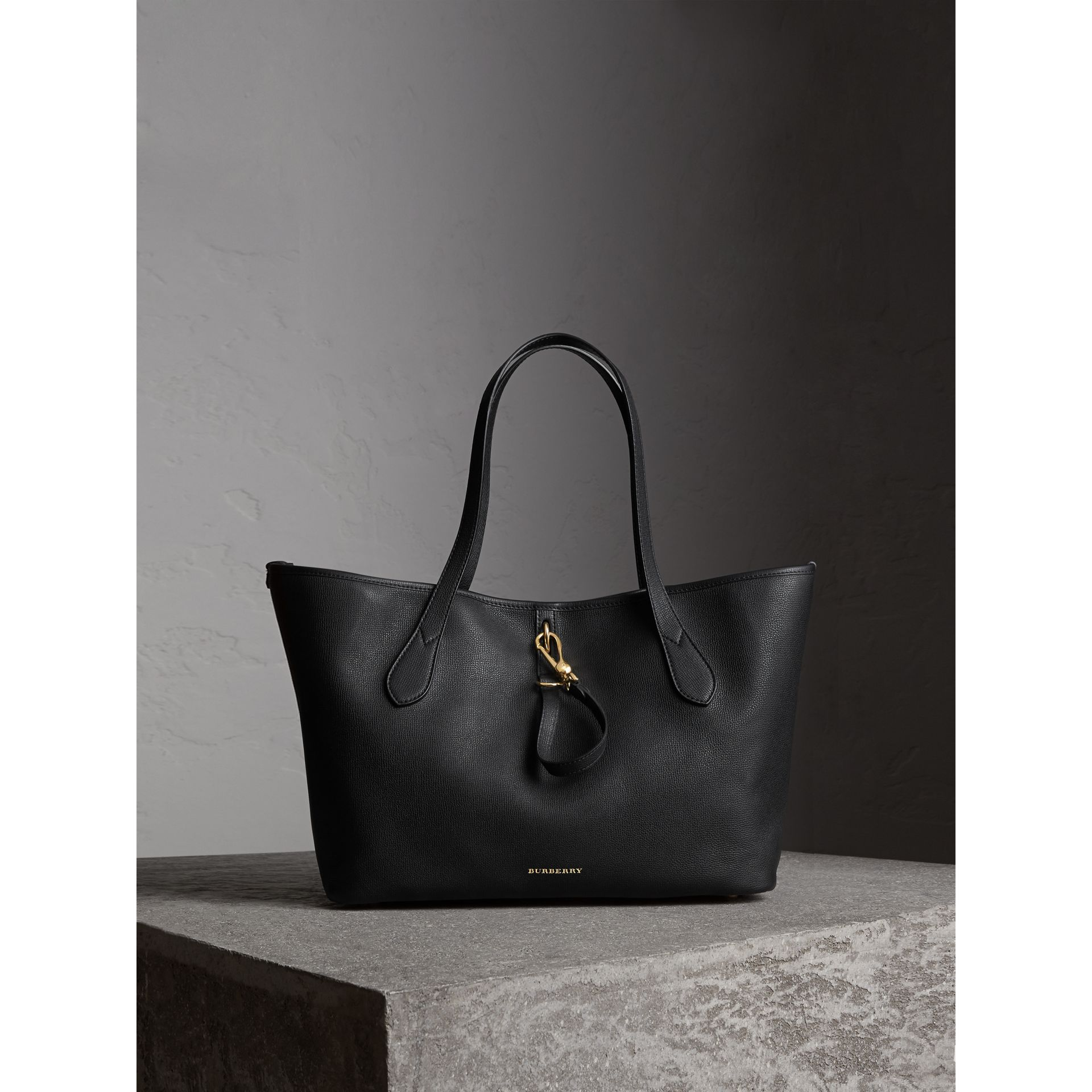 Medium Grainy Leather Tote Bag in Black - gallery image 1