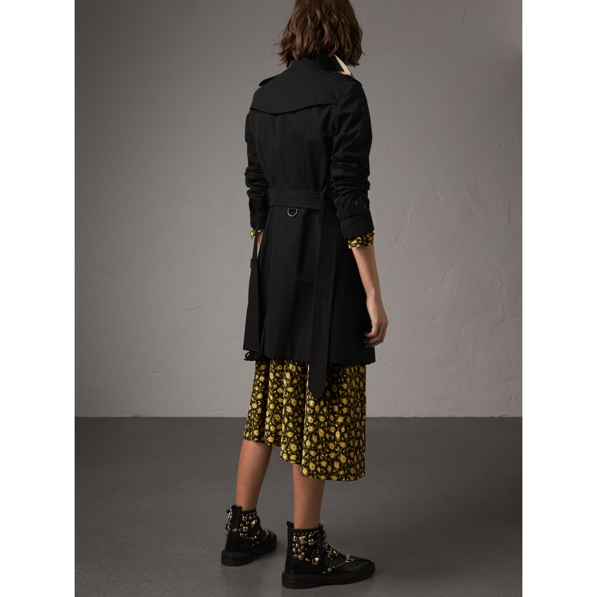 The Sandringham – Trench Heritage mi-long (Noir) - Femme | Burberry - photo de la galerie 3