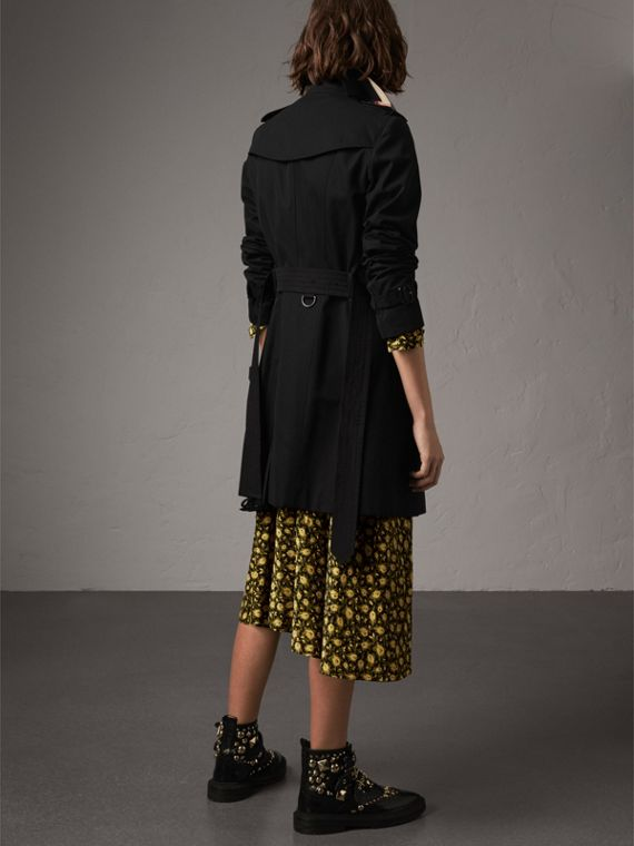 The Sandringham – Mid-Length Heritage Trench Coat in Black - Women | Burberry Hong Kong - cell image 2