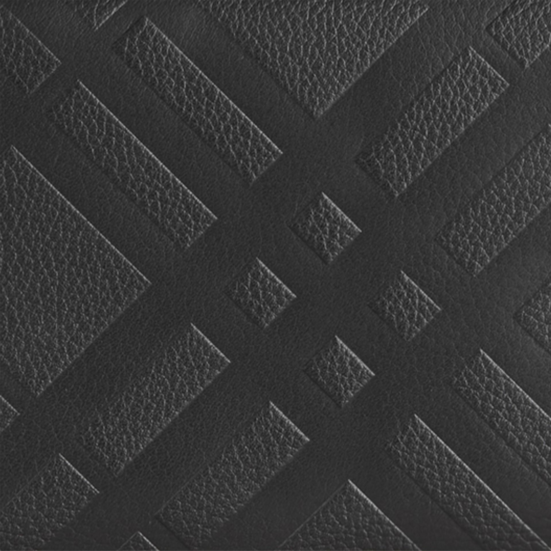 Noir Portefeuille à contour zippé en cuir à motif check estampé Noir - photo de la galerie 2