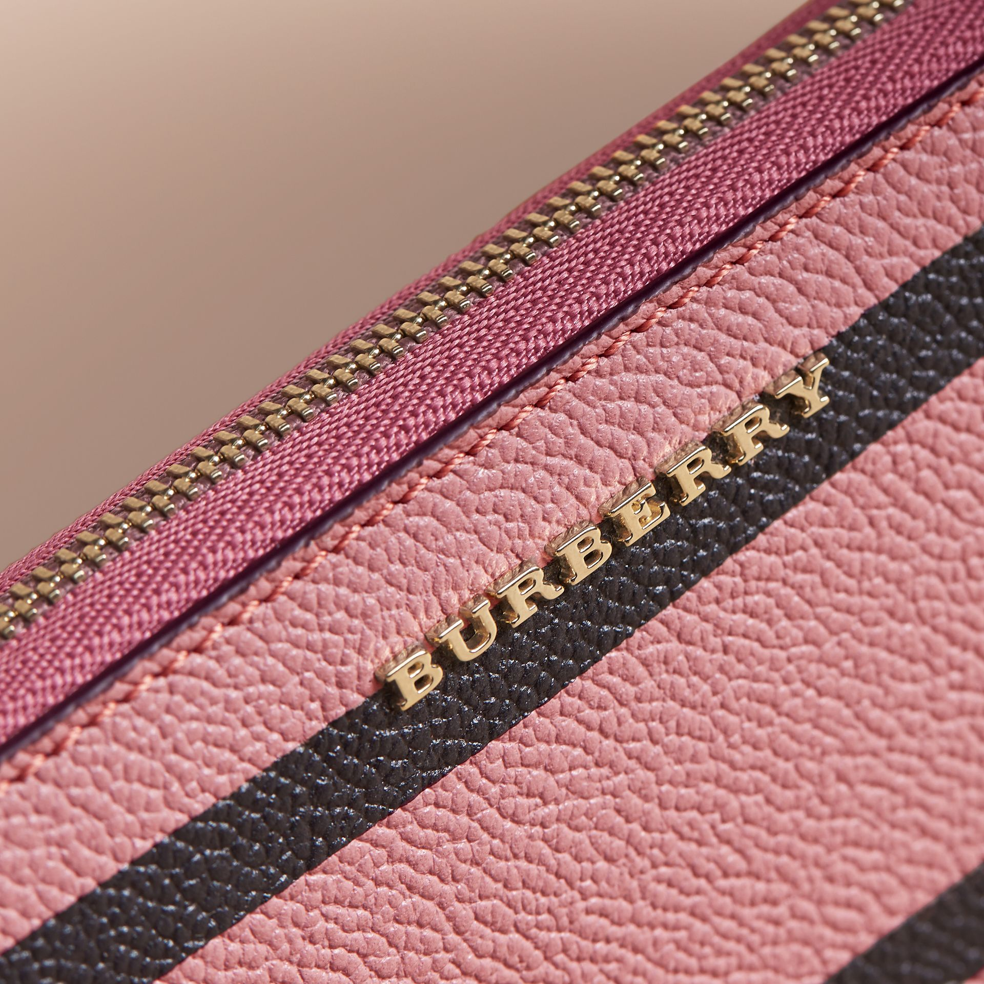 Trompe L'oeil Print Leather Ziparound Wallet in Dusty Pink - Women | Burberry - gallery image 3