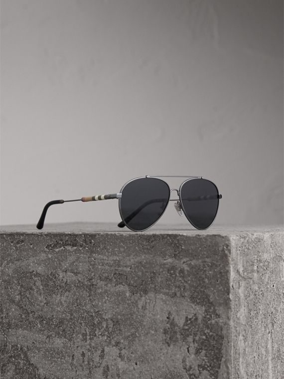 Check Detail Pilot Sunglasses in Black - Women | Burberry Australia