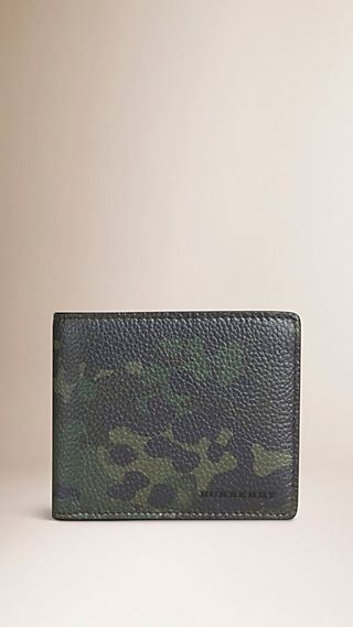 Camouflage Print Grainy Leather Folding Wallet