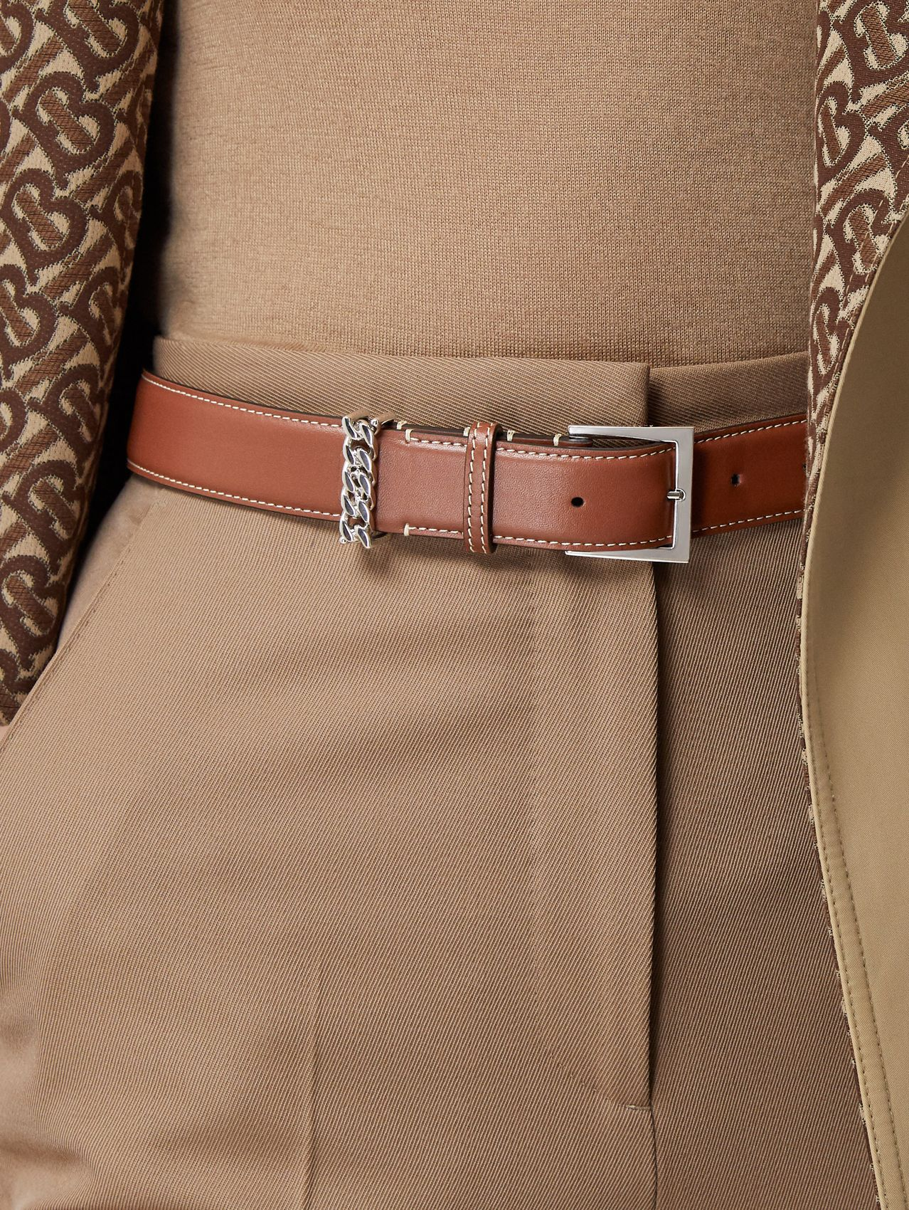 Chain Detail Topstitched Leather Belt in Tan/ecru