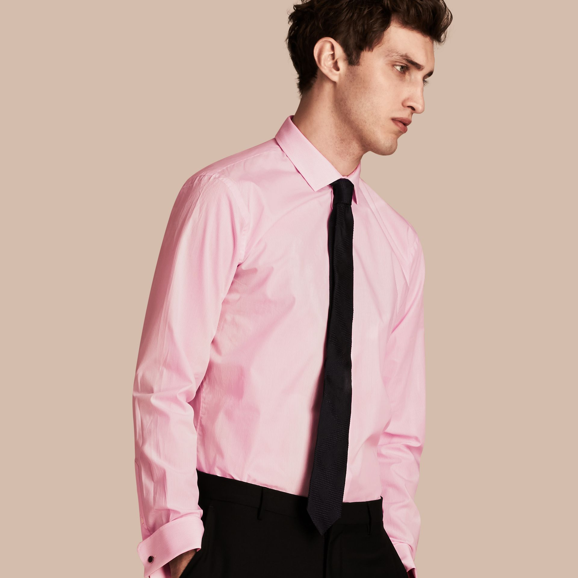 Rosa urbano Camicia moderna a righe in popeline di cotone con polsini doppi - immagine della galleria 1