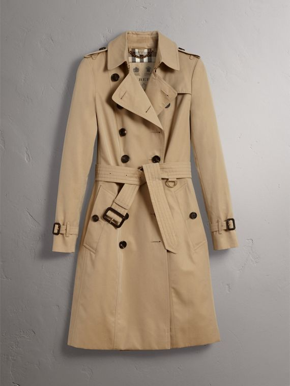 The Chelsea – Long Heritage Trench Coat in Honey - Women | Burberry Australia - cell image 3