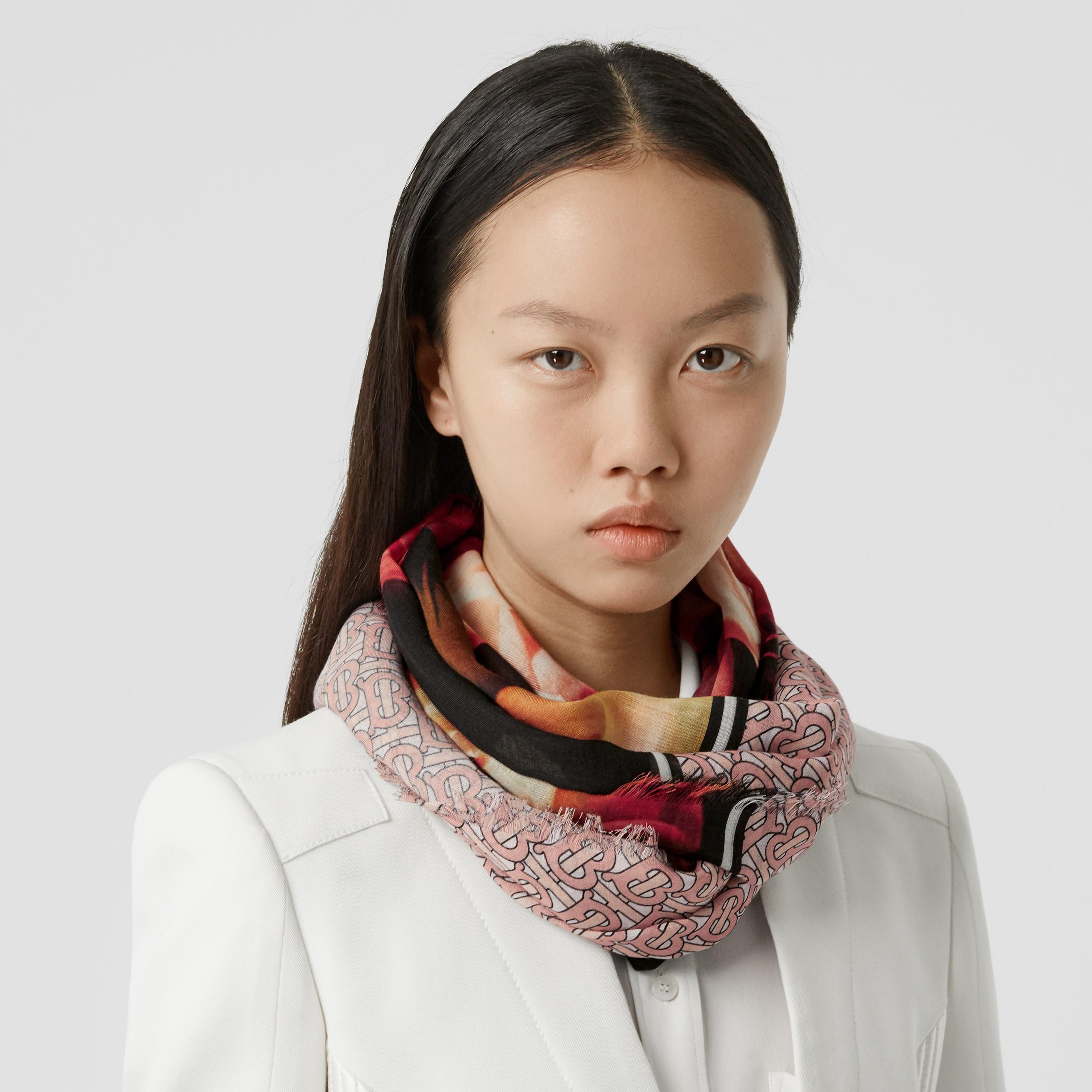 Sciarpa in lana e seta con stampa monogramma e motivo floreale (Rosa Rame Chiaro) | Burberry - 3