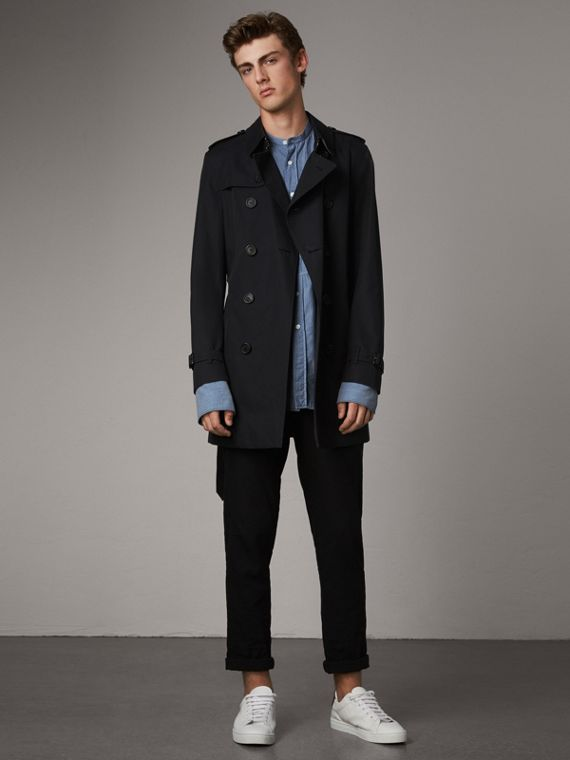 The Chelsea – Short Trench Coat in Navy