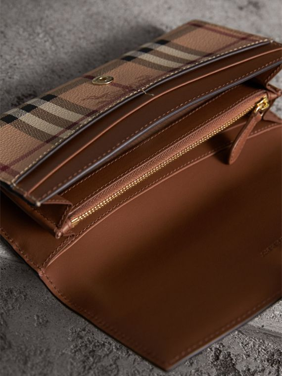 Haymarket Check and Leather Continental Wallet in Tan - Women | Burberry United Kingdom - cell image 3