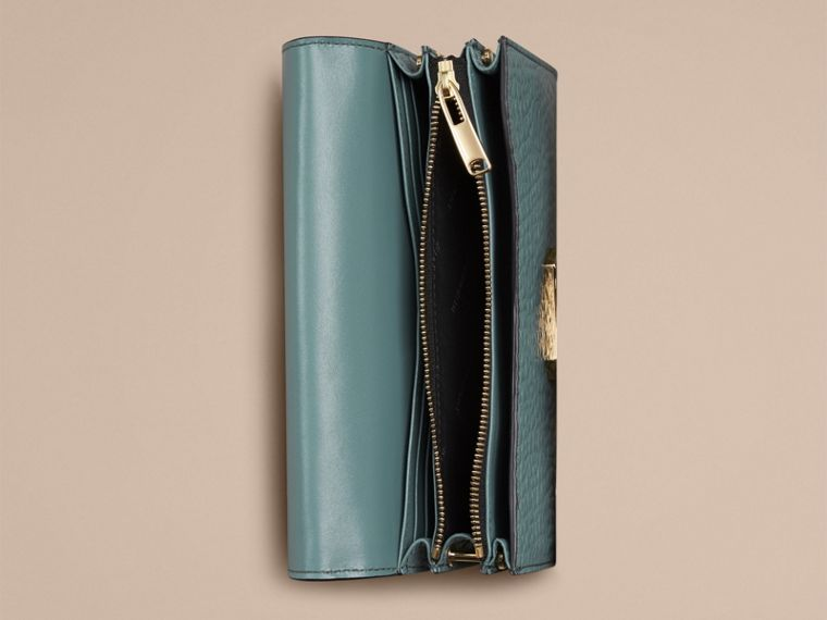 Celadon blue Signature Grain Leather Clutch Bag with Chain - cell image 2