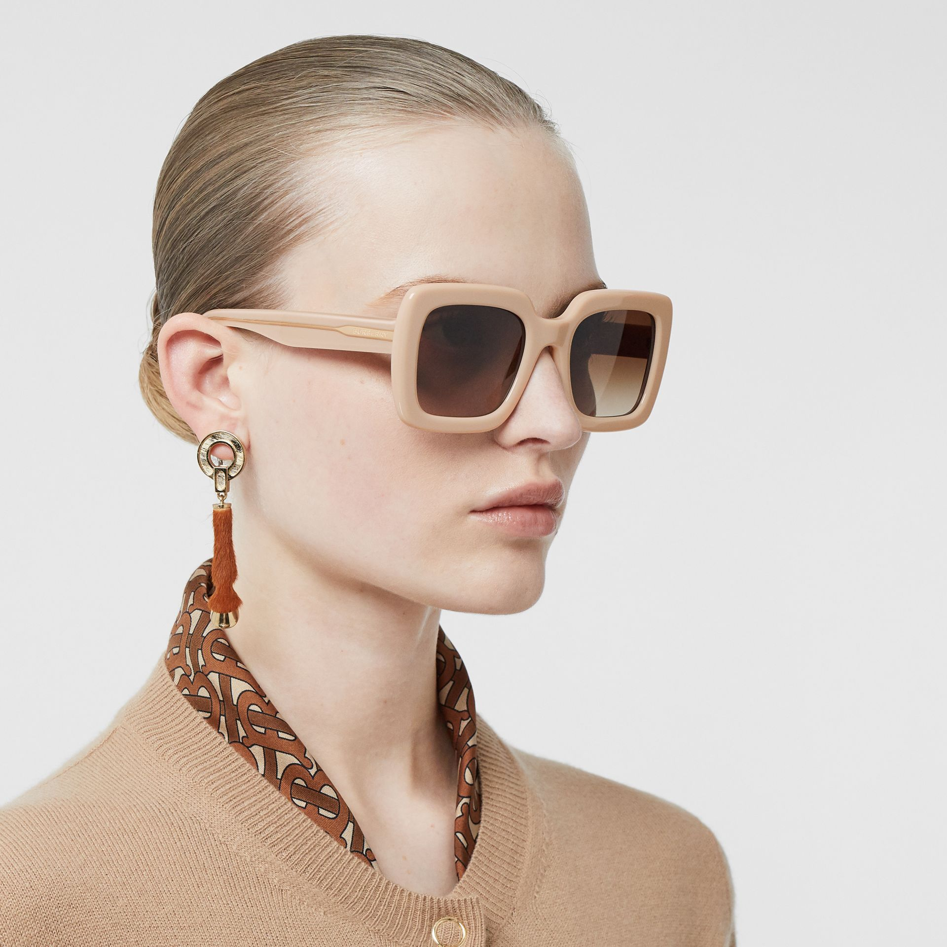 Oversized Square Frame Sunglasses in Honey - Women | Burberry Hong Kong - gallery image 2