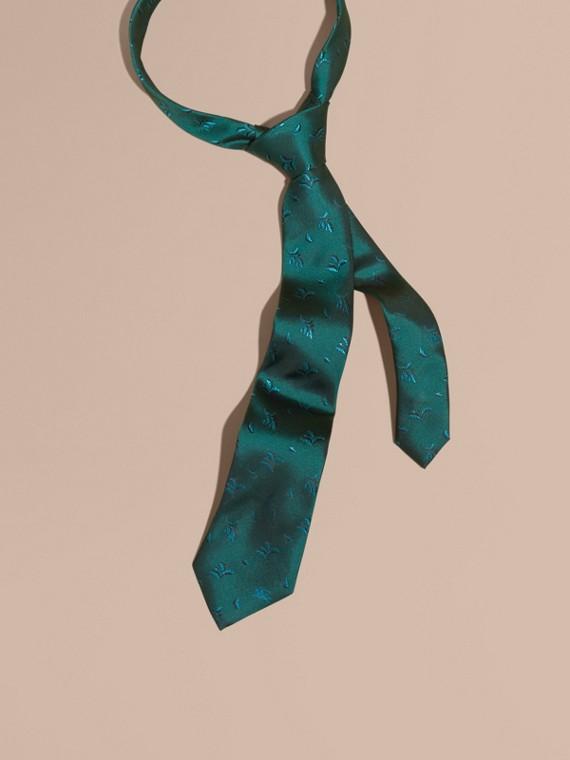 Modern geschnittene Seidenkrawatte in Jacquard-Webung mit Blattmuster Blaugrün