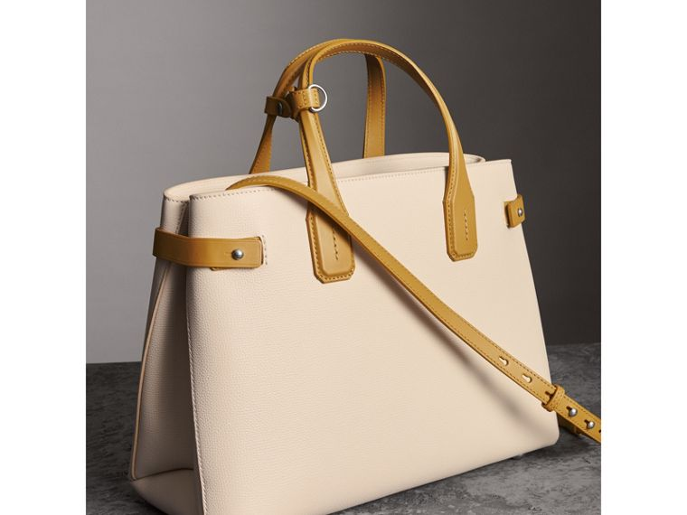 The Medium Banner in Two-tone Leather in Limestone/cornflower Yellow - Women | Burberry - cell image 4