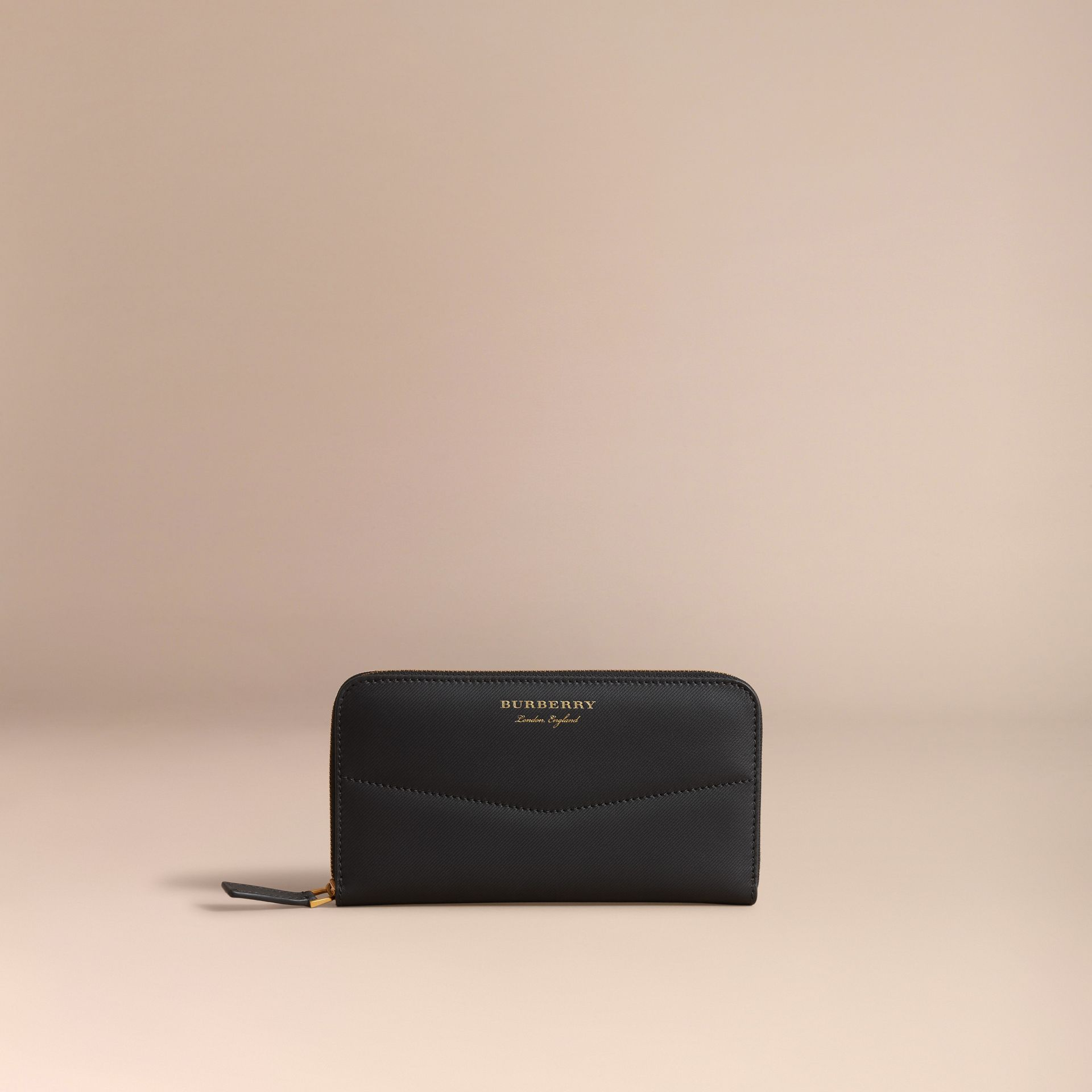 Trench Leather Ziparound Wallet in Black - Women | Burberry - gallery image 6