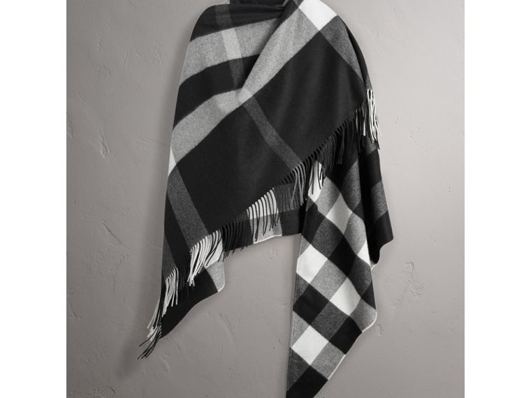 Check Cashmere Wrap in Black | Burberry United Kingdom - cell image 4