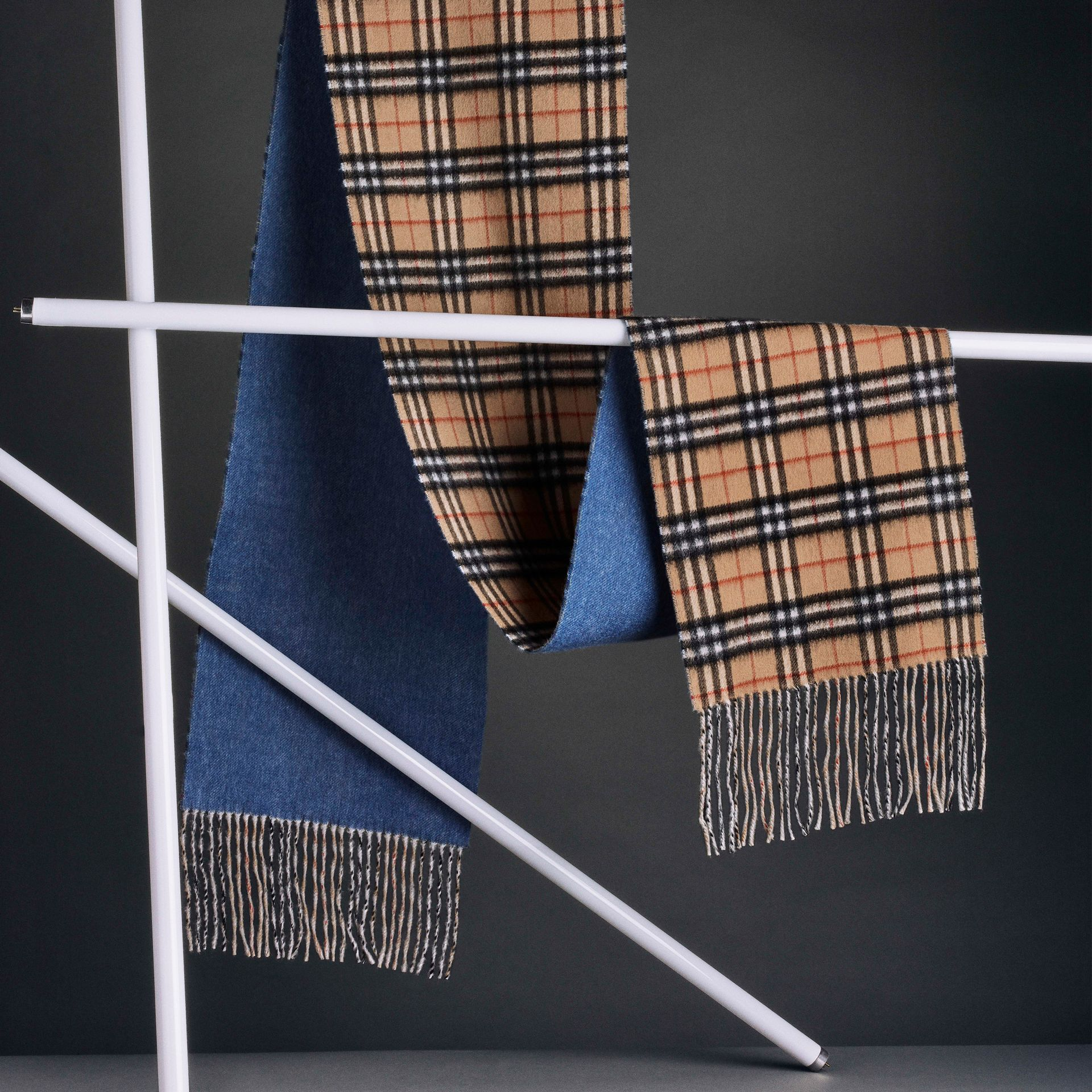 Long Reversible Vintage Check Double-faced Cashmere Scarf in Stone Blue | Burberry Australia - gallery image 6