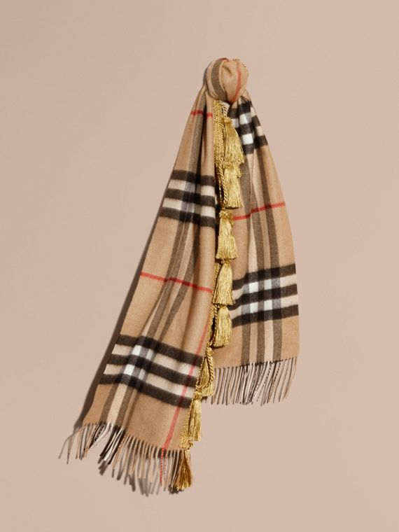 The Classic Cashmere Scarf in Check with tassels