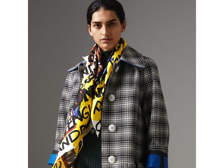 Foulard in seta con motivi d'archivio e graffiti (Giallo Intenso) | Burberry - cell image 4