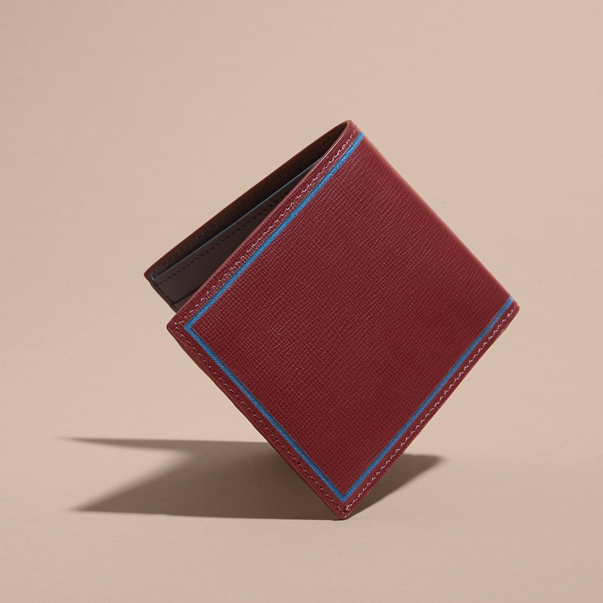 Burgundy red Border Detail London Leather Folding Wallet Burgundy Red - gallery image 5