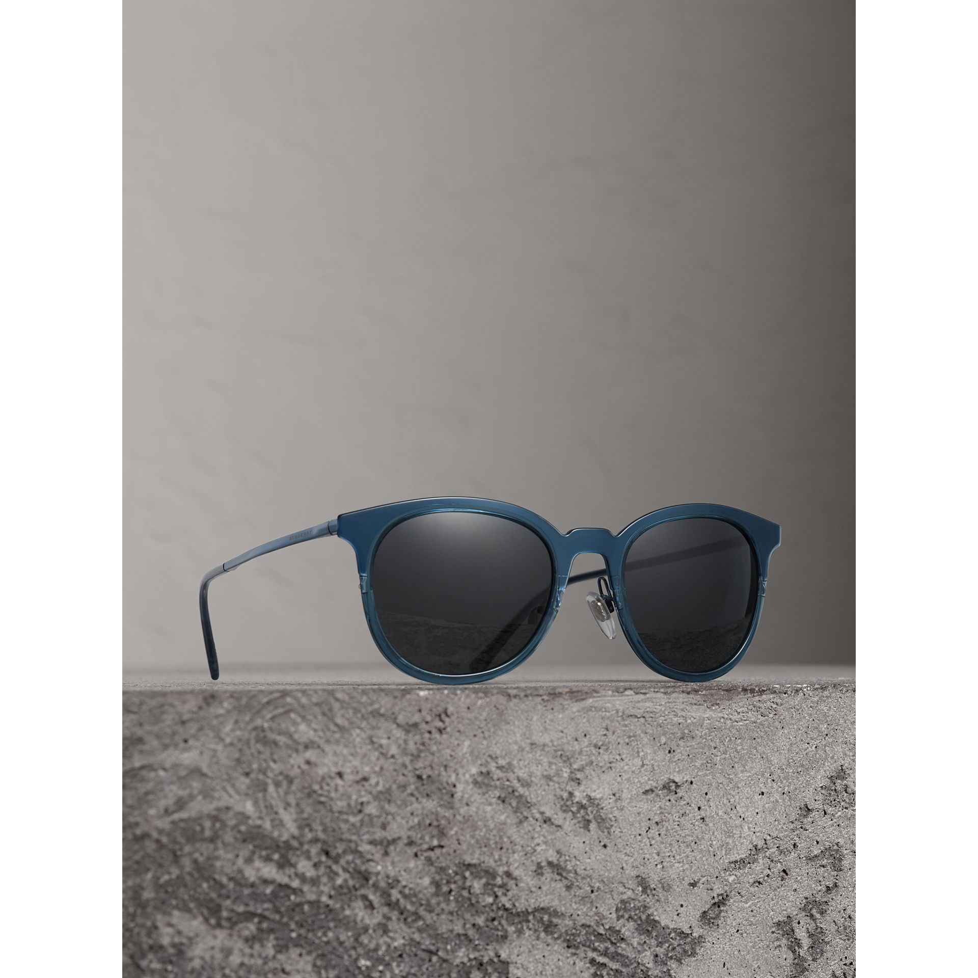 Round Frame Sunglasses in Blue - Men | Burberry - gallery image 1